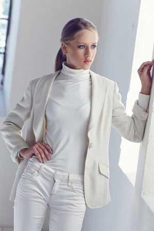 Weiße Jeans Kombinieren Stylische Damen Und Herren Outfits